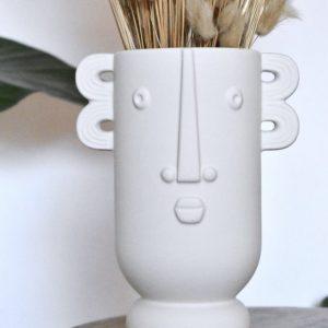 Karakteristieke vaas met gezicht