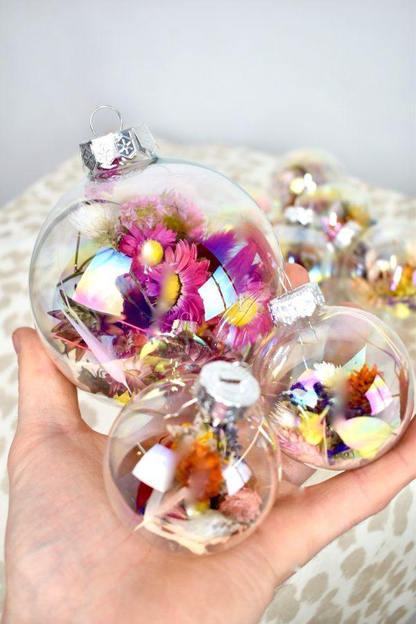 Droogbloemen kerstballen