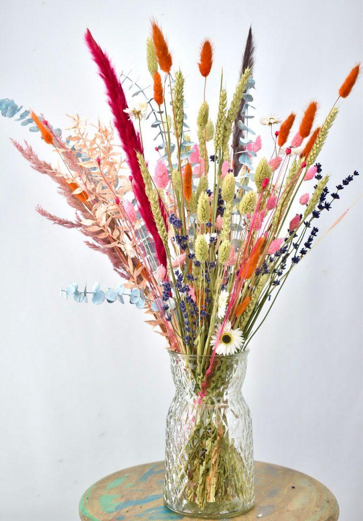 kleurrijk droogbloemen boeket