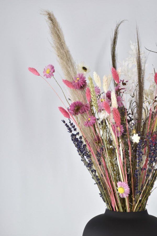 droogbloemen boeket met zwarte vaas bestellen