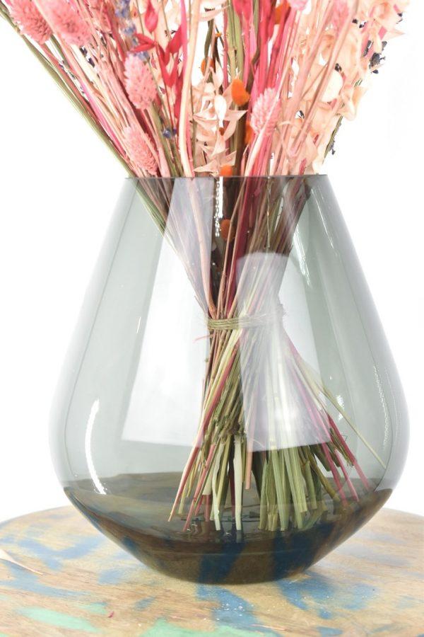boeket met droogbloemen vaas