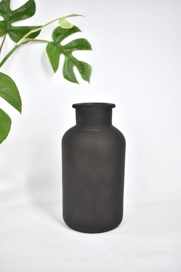 zwarte vaas droogbloemen