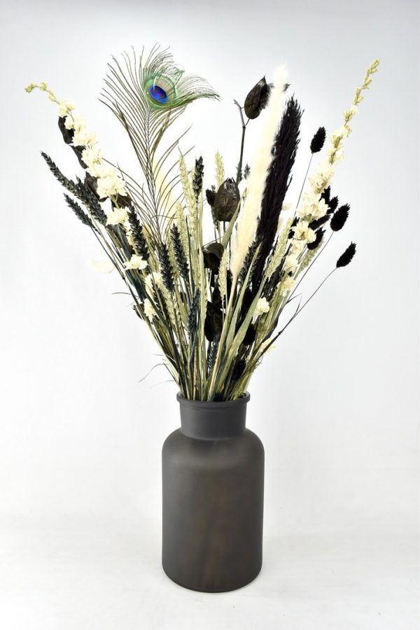 droogboeket met donkere kleuren zwart wit