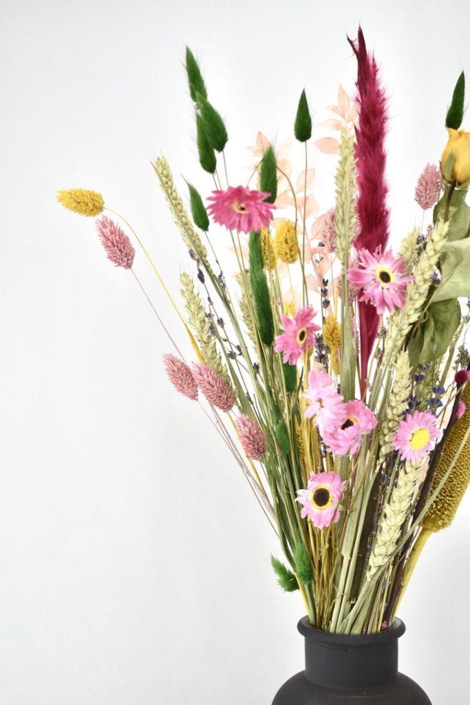 kleurrijke mix van droogbloemen