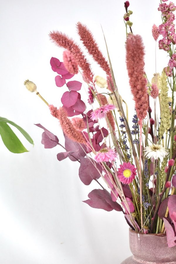 droogboeket bestellen met roze kleuren